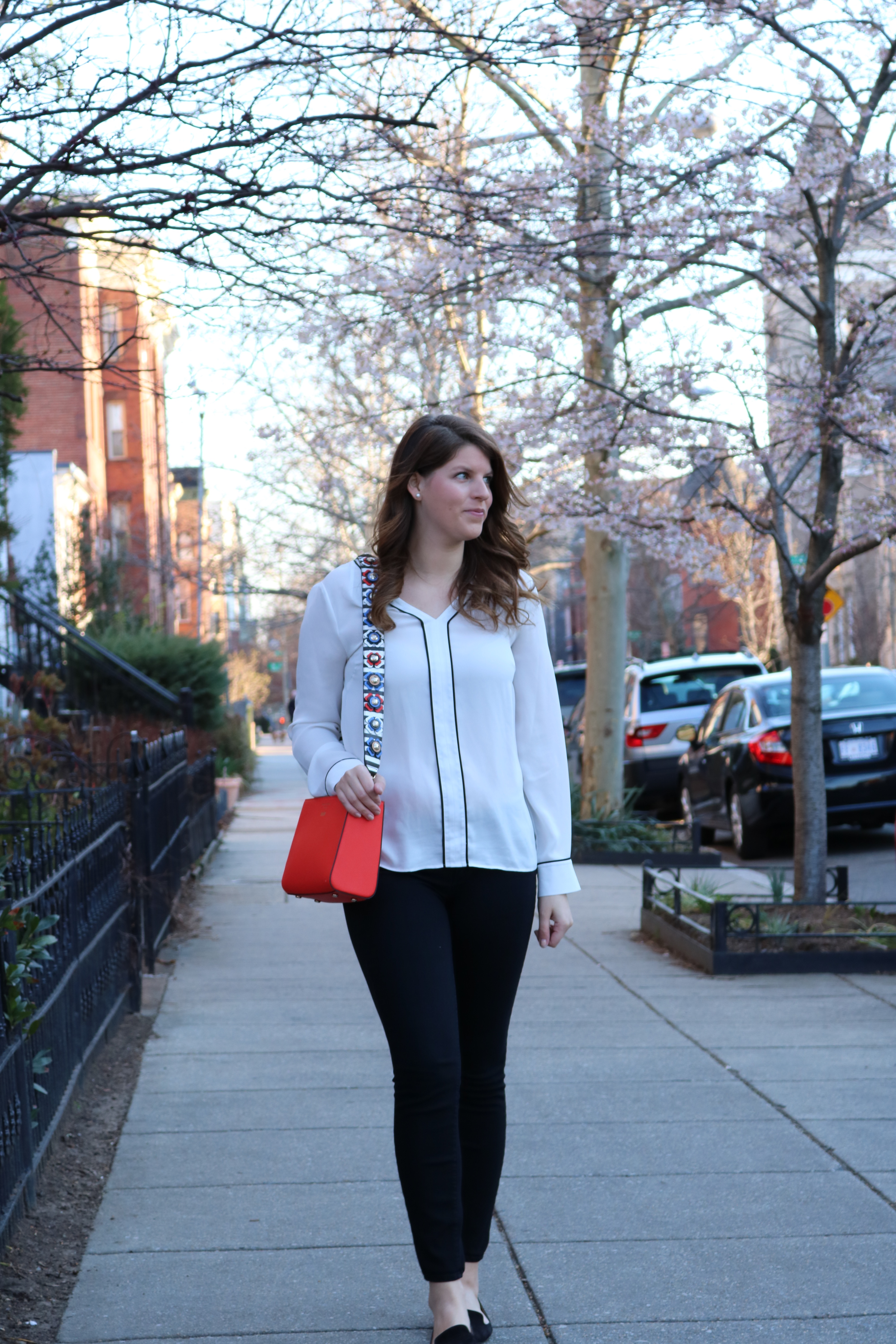 Lifestyle blogger Brianna Manzelli of Bree West sharing tips to get through daylight savings and a perfect transitional spring outfit